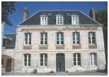 Maison bourgeoise située dans la rue principale de Grand-Couronne