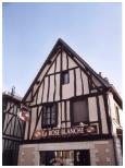 Maison à pans de bois située dans le centre-ville de Grand-Couronne